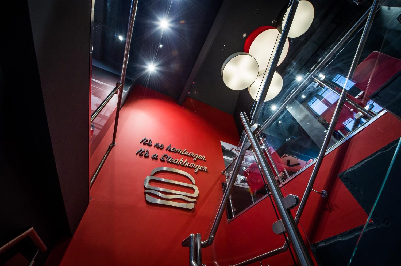 Airsnap Pro | Corporate Photo & Video — Steak'n'Shake, Cannes